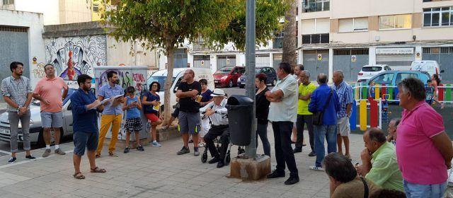 Los vecinos exigen la retirada de una torre de Telefonía