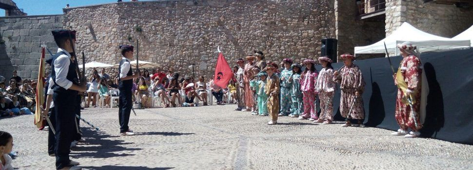 Els majors de Peníscola, gaudeixen de la seua festa