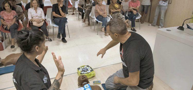 La Diputación forma a 1.700 personas para salvar vidas con desfibriladores