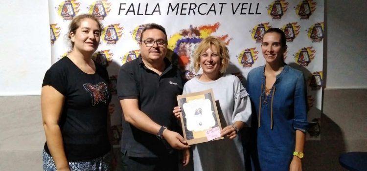 L'Exposició d'Indumentària fallera, visitada per Mercat Vell