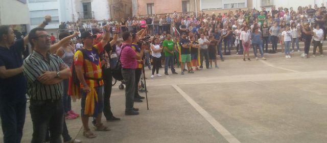 Concentració a Alcanar amb presència de l'alcalde de la Ràpita