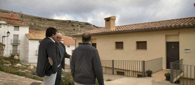 La Diputación mejora el edificio municipal de apartamentosde Ares