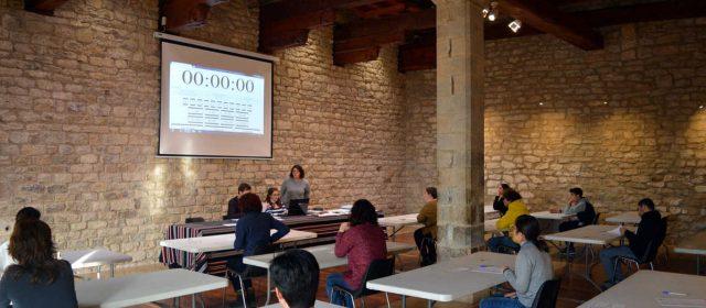 Els i les alumnes del Centre Formatiu de Morella realitzen l'examen del Trinity College London