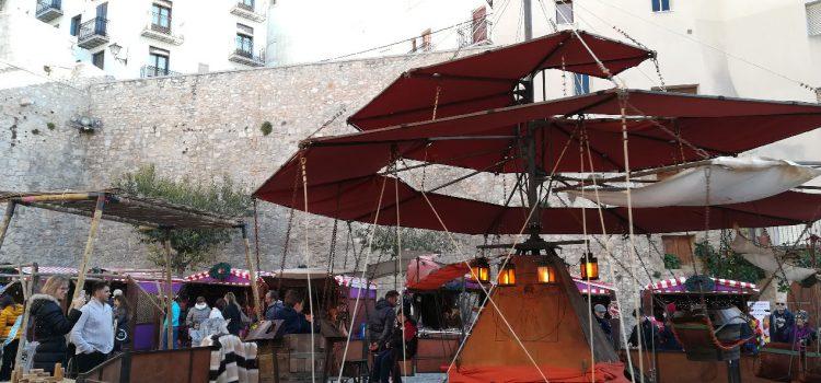 El mercadillo navideño de Peñíscola atrae a mucho público