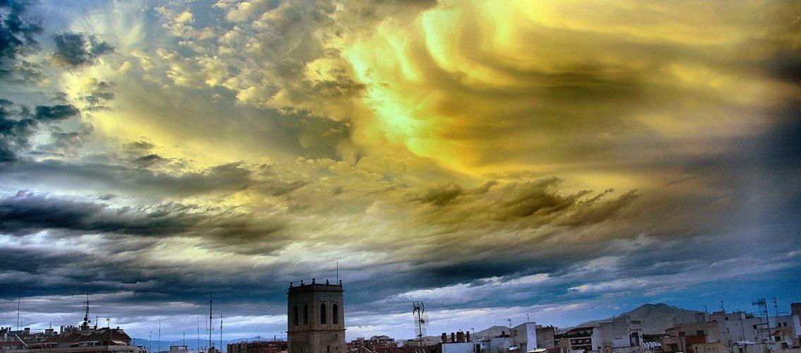 Ben Vist: Núvols sobre Vinaròs