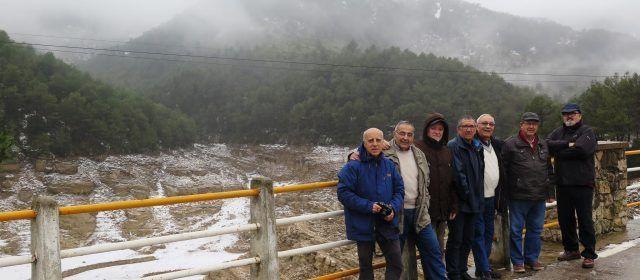 Un pantà sense aigua però amb neu