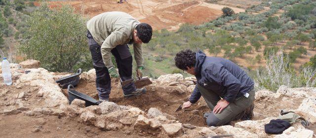 L'equip d'arqueòlegs delimita el perímetre del jaciment la Ferradura, a Ulldecona