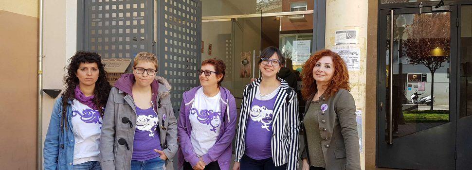 Femme Força Vinaròs pide la creación de una categoría de feminismo en la biblioteca