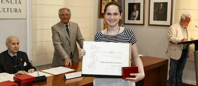 Una alumna de l'IES Vilaplana guanya el tercer premi d'un concurs sobre el bullying