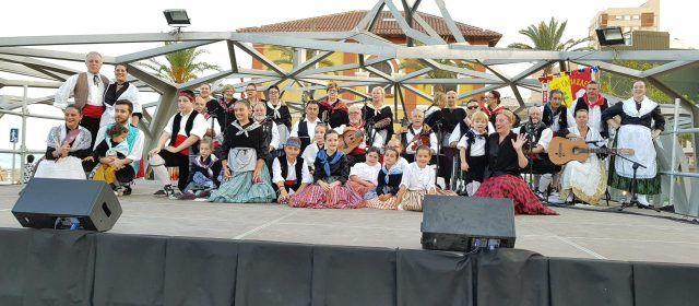 Les Camaraes resviscolen la música popular vinarossenca