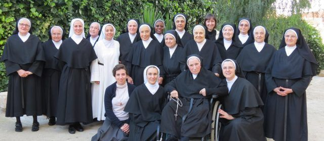 Un convento 2.0: Las monjas de Sant Mateu captan vocaciones y difunden sus habilidades pasteleras por internet