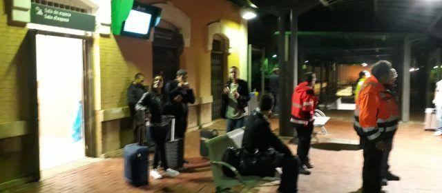 Indignació a Ulldecona pel tracte als viatgers de tren en tallar-se la circulació per la gota freda
