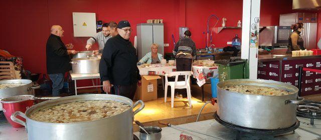 Olleta al mercat de Vinaròs per ajudar a Rescata2