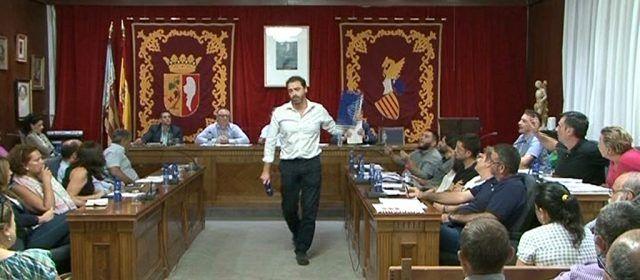 El jutjat desestima el recurs presentat pel PP en motiu de l'expulsió del portaveu Juan Amat durant el ple de novembre