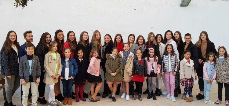 """La """"corte"""" de Vinaròs se cierra con 30 damas y por primera, 5 """"cavallers"""""""