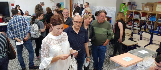 A Vinaròs, a les 14 h. baixa 5 punts la participació en les municipals i en puja 10 en les europees