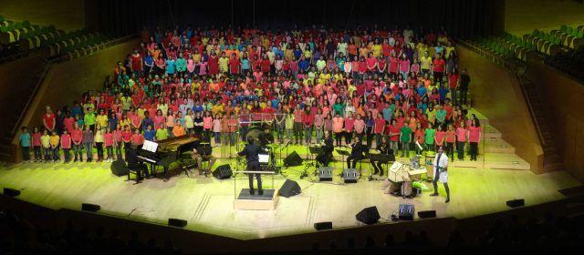 Actuació de la coral infantil d'ESMUVI de Vinaròs a l'auditori de Barcelona