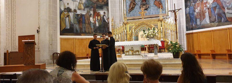 """La música ucraniana resonó """"a capela"""" en la Arciprestal de Vinaròs"""
