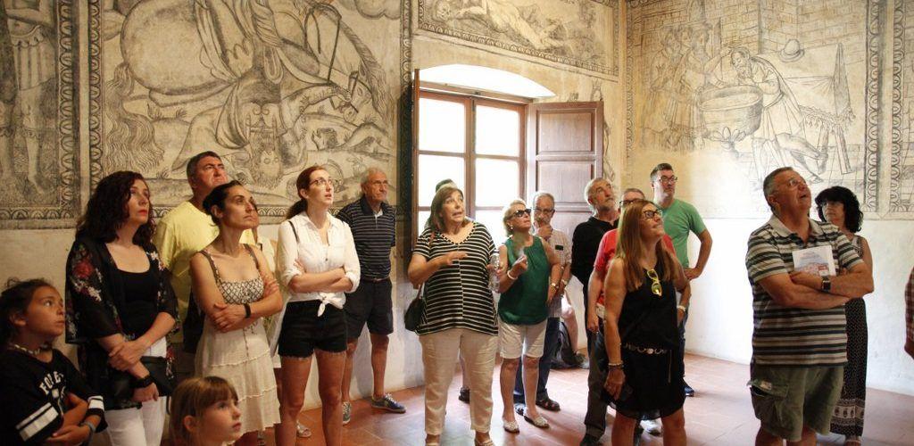 La història dels càtars i els secrets de les 'Grisalles' de Sant Pau en la Fira de Sant Pere