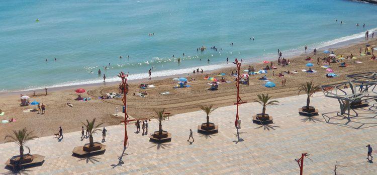 Les platges de Vinaròs tornen a ser aptes per al bany