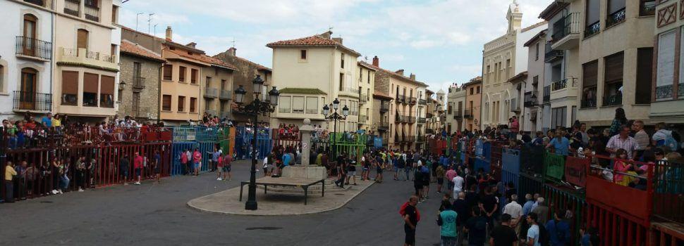 Les paelles donen pas al Dia dels Quintos en Vilafranca