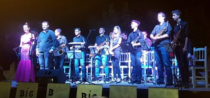 La Big Band d'Alcanar portà el jazz a l'ermita de Vinaròs