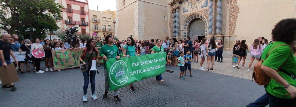 Una marxa molt concorreguda conclou la Setmana pel Clima a Vinaròs