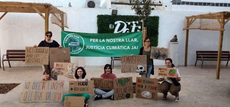 Fridays for Future Vinaròs continua denunciant l'emergència climàtica
