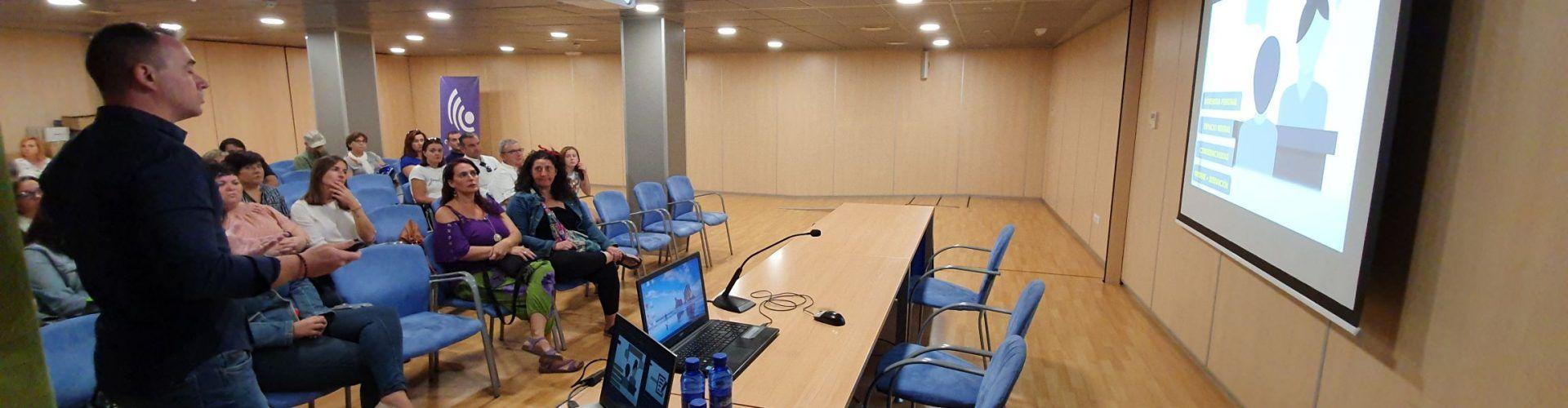 Conferència a Vinaròs sobre l'assetjament escolar