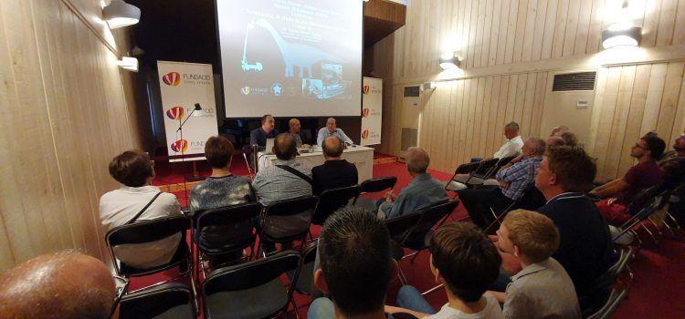 Conferència sobre dinosaures a Caixa Vinaròs