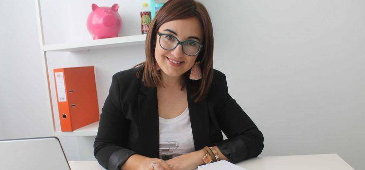 Ahorradoras, nascuda a Vinaròs, arriba als 8 anys amb mig milió de seguidors de 280 països i renova la seua imatge
