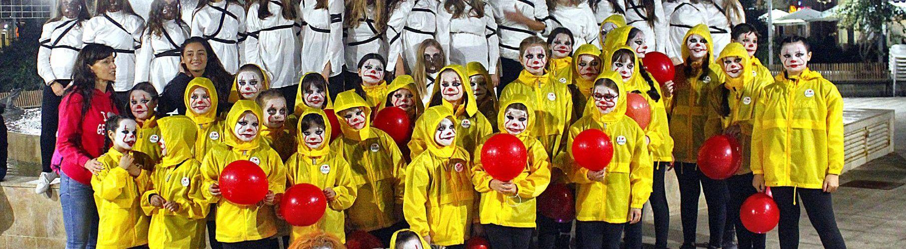 Vinaròs viu Halloween pels carrers, amb Gentsana