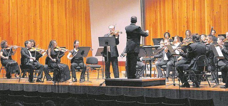"""La banda de Peñíscola actuó """"a media luz"""" en el Palau de Congressos"""