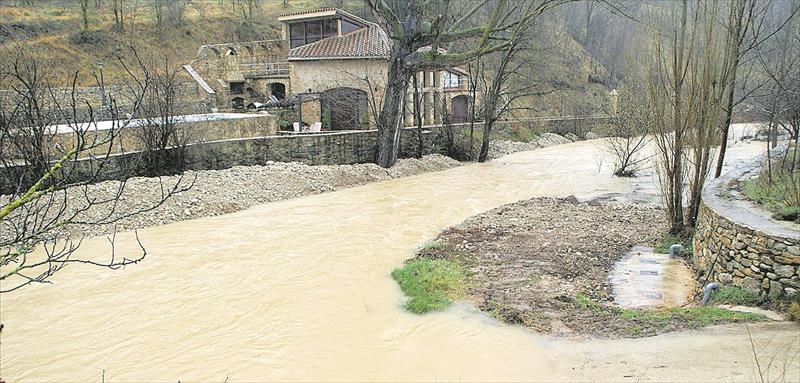 Arrecian las protestas por la mala conservación del río Bergantes
