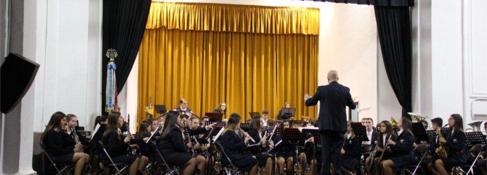 Dos docenas de nuevos músicos en el concierto de S.Cecilia de La Alianza de Vinaròs