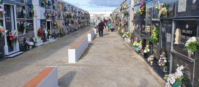 Dia de visita als cementeris