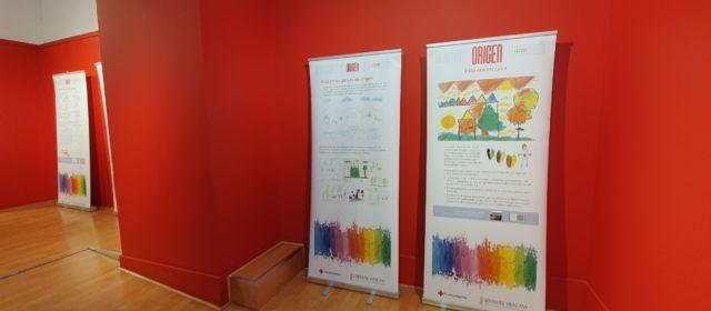 El drama dels xiquets migrants i refugiats, en una exposició a l'Auditori de Vinaròs