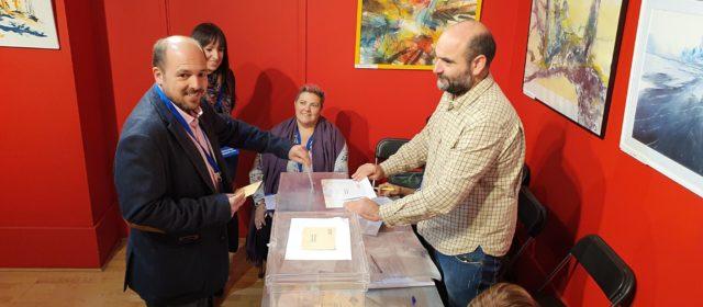 Lluís Gandía i Guillem Alsina matinen a Vinaròs per anar a votar