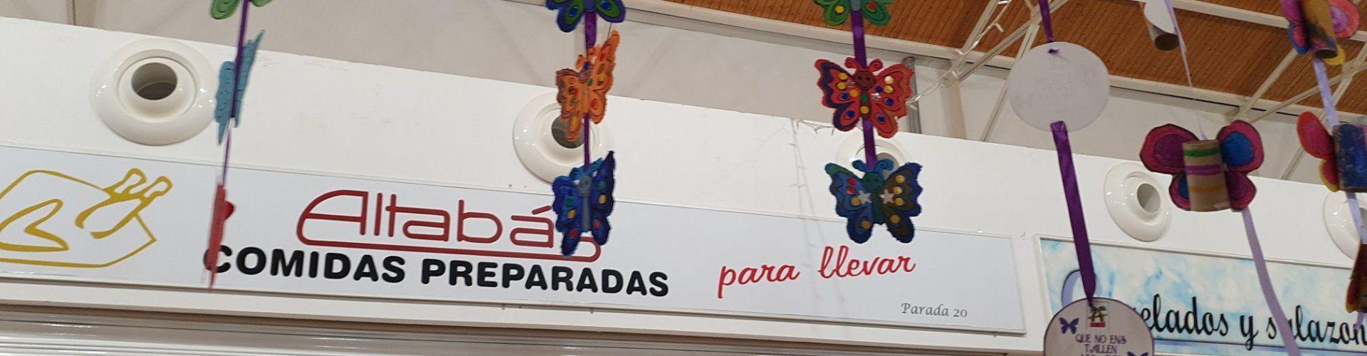 El mercado de Vinaròs se llena de mariposas contra la violencia de género