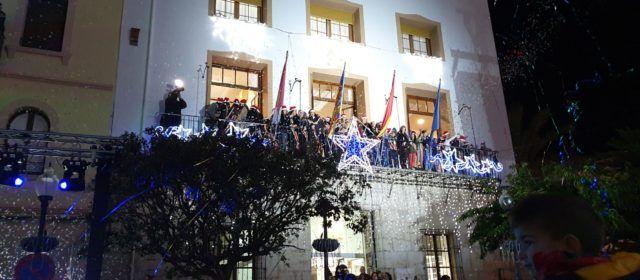 L' encesa de llums de Nadal a Vinaròs, en mitja dotzena de vídeos