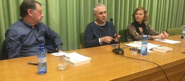 Julio César Cano presenta el seu llibre, 'Flores Muertas' a Vilafranca