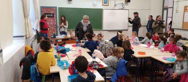 Els xiquets van a escola per Nadal