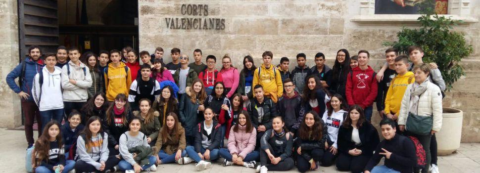 L'alumnat del Vilaplana de Vinaròs, de ruta per València