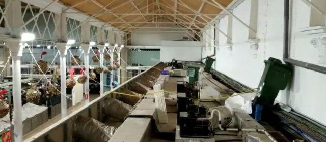 Los comerciantes del mercado de Vinaròs exigen la reparación de las goteras