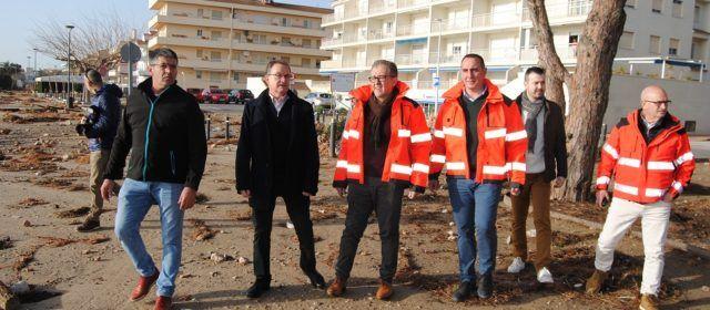 Alcossebre rep la visita del president de la Diputació Provincial per comprovar els danys del temporal