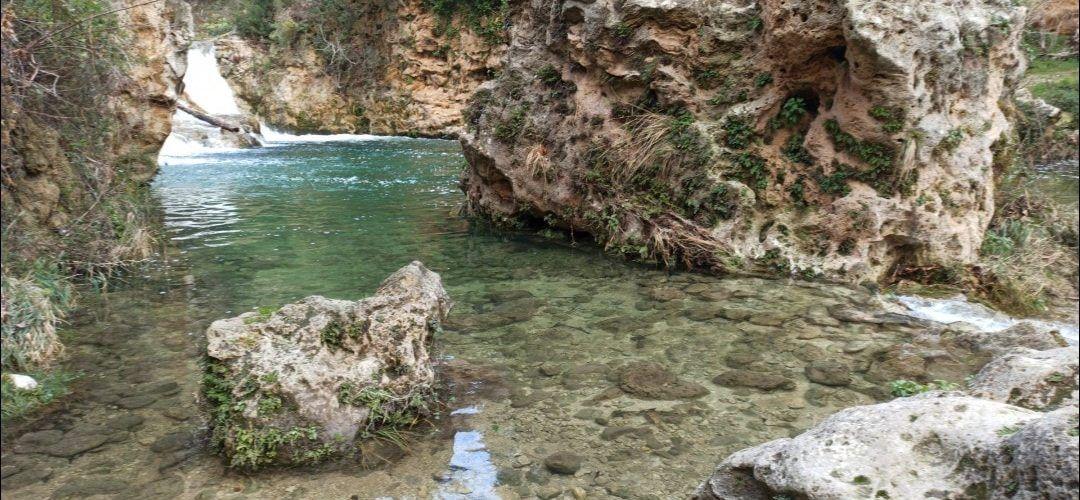 L'aigua flueix pels barrancs, ullals i fonts