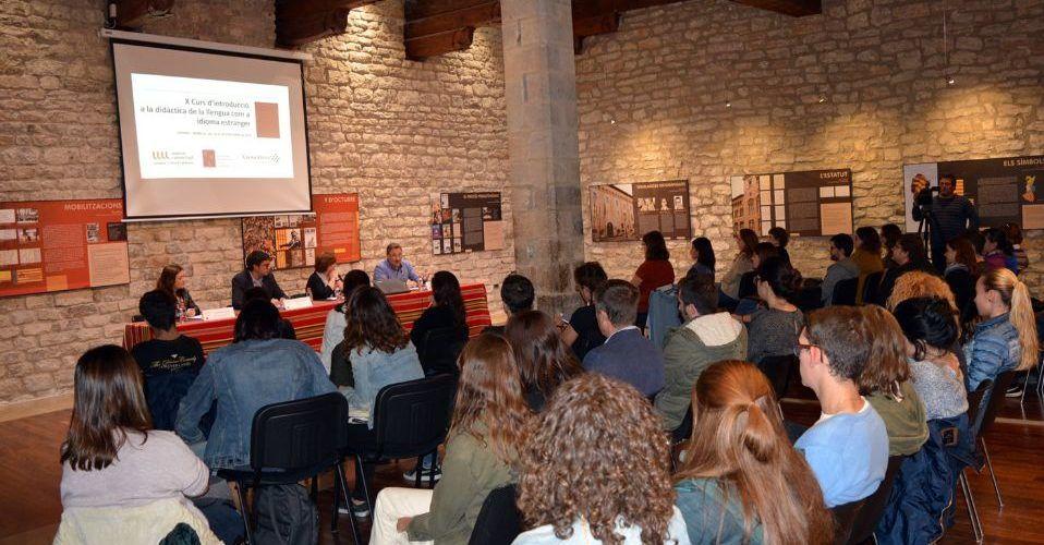Morella concedeix la Creu de Santa Llúcia a la Xarxa Vives d'Universitats i als alcaldillos de Xiva, Ortells, Herbeset i La Pobla d'Alcolea