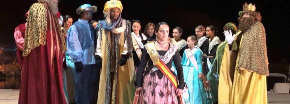 Benicarló agasaja a los Reyes Magos tras su llegada marítima