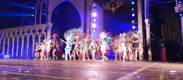 La gala de reines i reis del Carnaval de Vinaròs, en vídeos