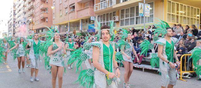 La segona desfilada del Carnaval de Vinaròs, en fotos